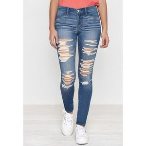 Pacsun: Ripped Jeans